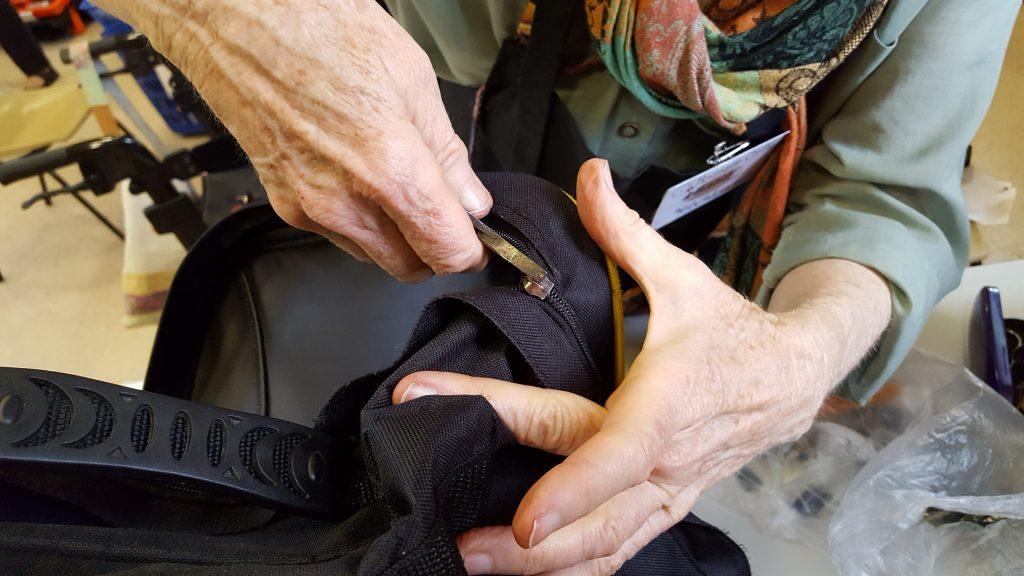 mending-zippers